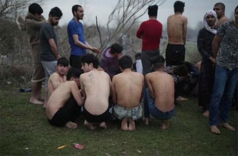 """Τουρκική προπαγάνδα στις πλάτες των λαθρομεταναστών: """"Τους βασανίζουν στην Ελλάδα και τους στέλνουν πίσω!""""....."""