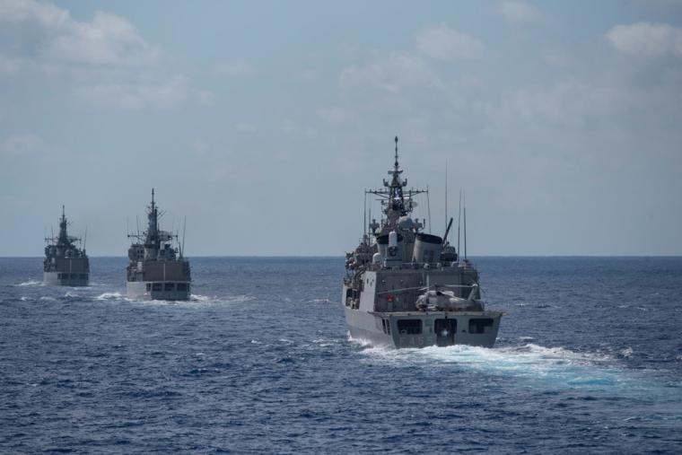"""Στις ελληνικές θάλασσες ΠΑ & ΠΝ """"μαθαίνουν"""" πόλεμο στους Τούρκους - Νέες εικόνες από τον καταιγισμό πυρών...."""