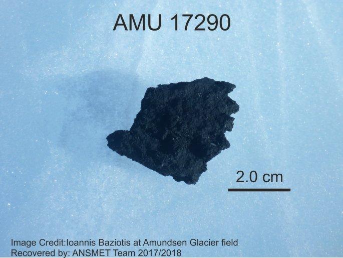 ανθρακούχος χονδρίτης AMU 17290