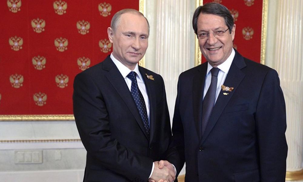 Reuters: ''Η Κύπρος μπλοκάρει τις κυρώσεις της ΕΕ κατά της Ρωσίας''