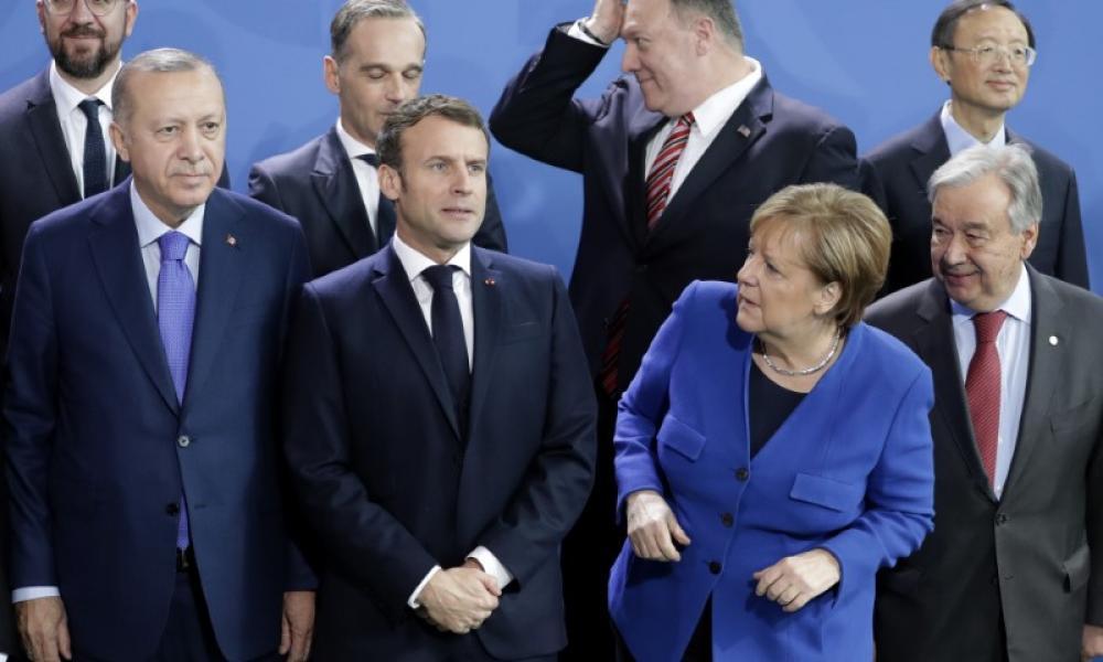 Μέρκελ αναζητά Πούτιν