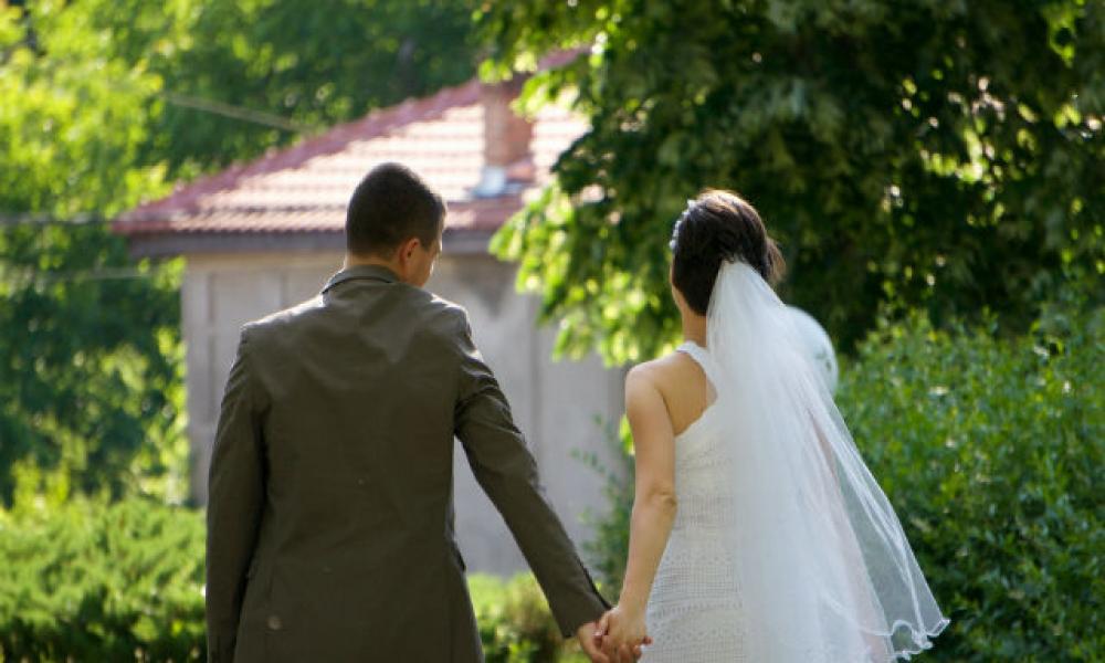 Αποτέλεσμα εικόνας για Παντρεύονταν εικονικά με… νεκρούς για να βάζουν στο χέρι την περιουσία τους