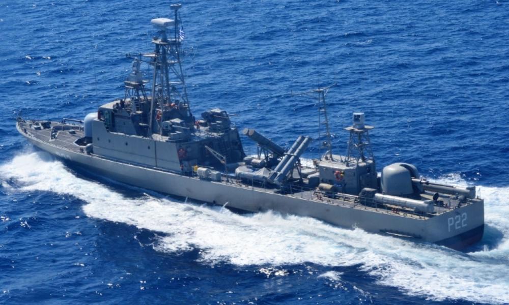 Αδιαπέραστη γραμμή άμυνας του ΠΝ: Στην Κω η ΤΠΚ «Υποπλοίαρχος Μυκόνιος» - Αγριεύουν οι μετανάστες στα νησιά