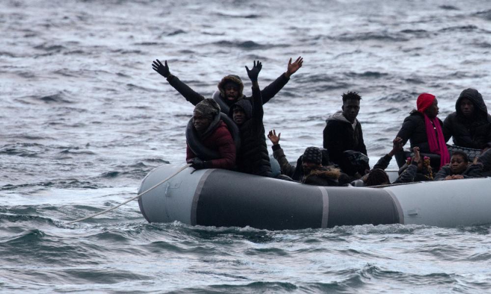 Αποτέλεσμα εικόνας για λαθρομετανάστες θάλασσα