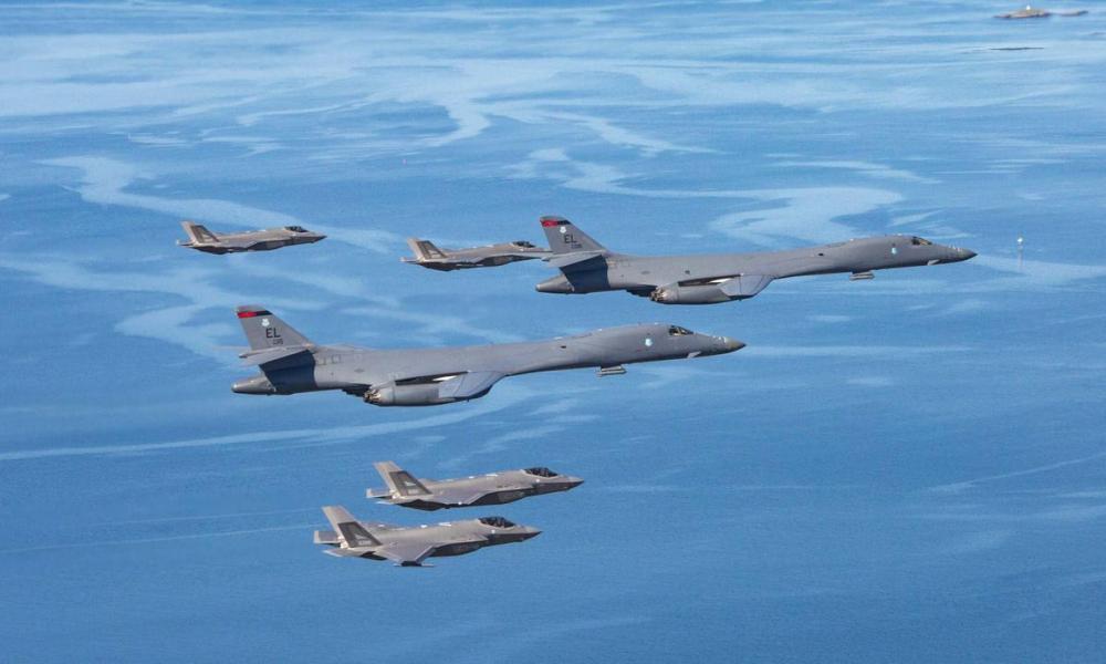 Οι ΗΠΑ στέλνουν βομβαρδιστικά από τη Νορβηγία κοντά σε ρωσική βάση