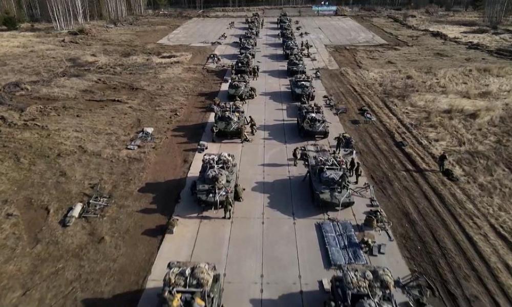 Γιγαντιαίες ρωσικές ασκήσεις στην Κριμαία: Ουκρανοί μεταφέρουν συστήματα πυραύλων στις ακτές της Μ.Θάλασσας