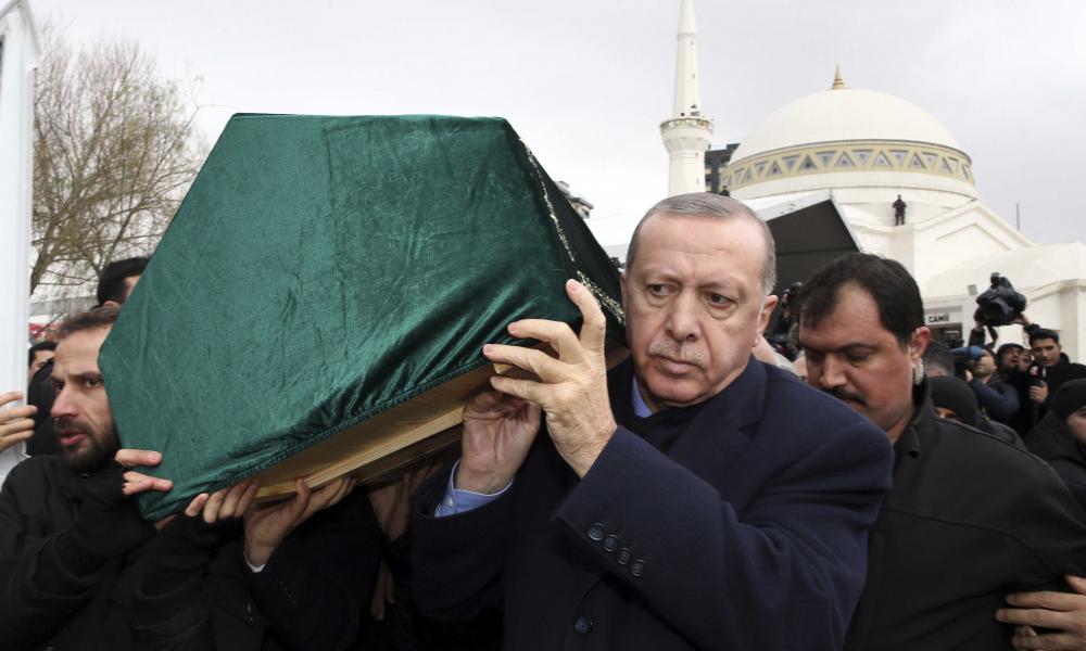 Οι ναύαρχοι προεξοφλούν το τέλος του Ερντογάν: ''Θα πέσει η τουρκική κυβέρνηση''