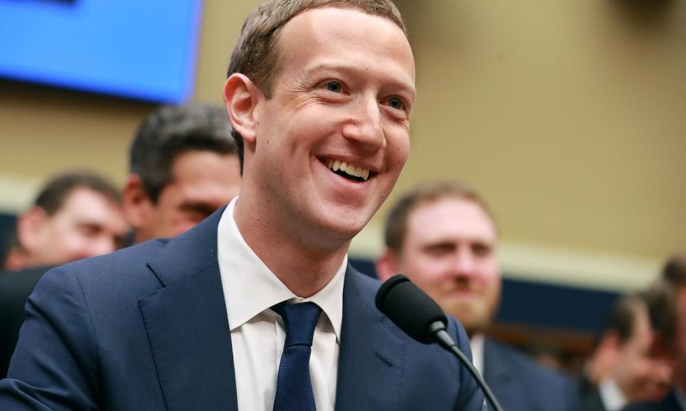"""""""Βόμβες"""" μεγατόνων: Μεγαλομέτοχοι της Facebook κάνουν """"το κουμάντο"""" και στα εμβόλια;"""