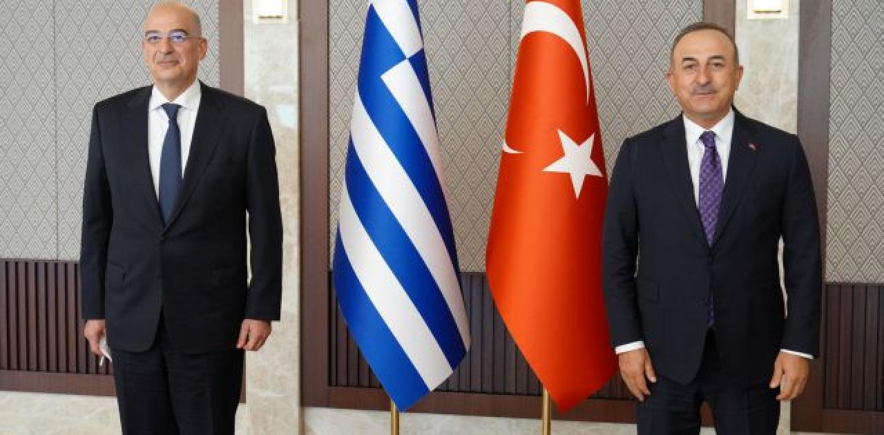 Δένδιας – Τσαβούσογλου στα τηλέφωνα για την πυρκαγιά στην Τουρκία