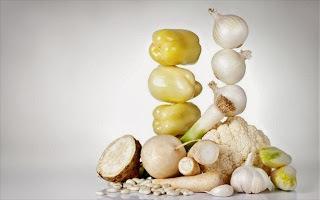 οι-5-λευκές-τροφές-που-πρέπει-να-υπάρχουν-στο-τραπέζι-μας