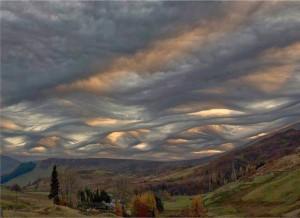 κυμματιστά-σύννεφα