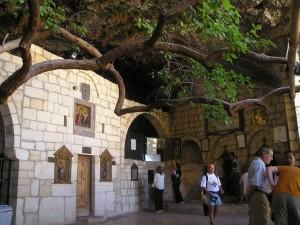 Το ιερό της Αγίας Θέκλας προσκυνηματικός προορισμός πριν τον πόλεμο