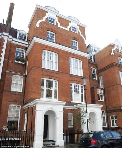 Η κατοικία του αυτόχειρα στο Kensington όπου βρέθηκε απαγχωνισμένος