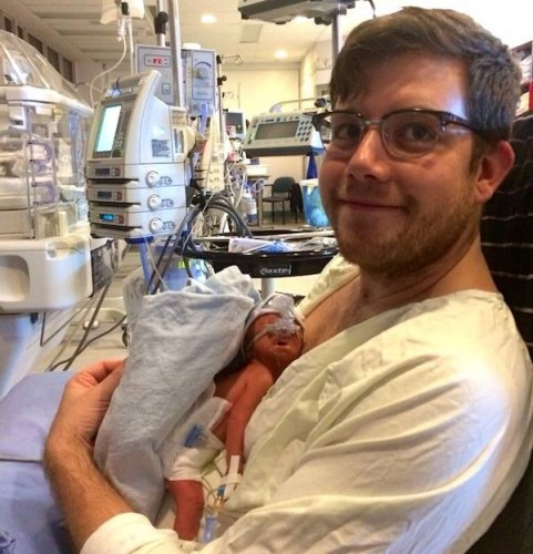 μωρό-νεογέννητο-από-εγκεφαλικά-νεκρή-μητέρα