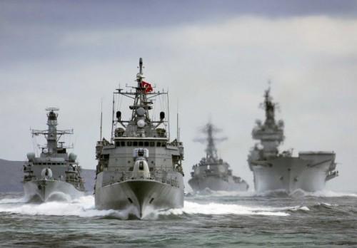 οι Τούρκοι στο Αιγαίο με το στόλο τους