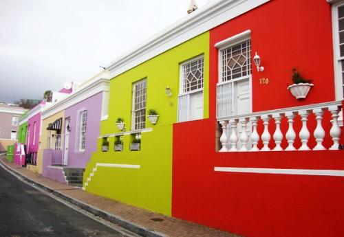 μια-γειτονιά-γεμάτη-χρώματα-στο-κέντρο-της-πόλης-2
