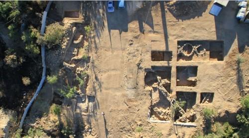 ο χώρος των ανασκαφών όπου ανακαλύφθηκε η σφραγίδα της Μονής