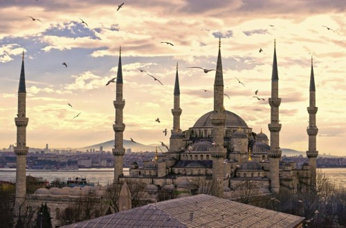 Η Κωνσταντινούπολη έπεσε το 1453 από διπλή προδοσία.