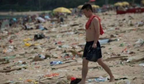 η-πιο-βρώμικη-παραλία-του-κόσμου