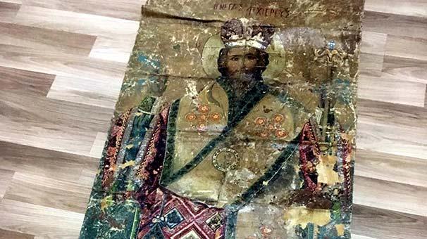 c44d5e9c5e06 Ανεκτίμητης αξίας μεγάλη εικόνα του Ιησού Χριστού από δέρμα γαζέλας του  18ου αιώνα στα χέρια της τουρκικής αστυνομίας!