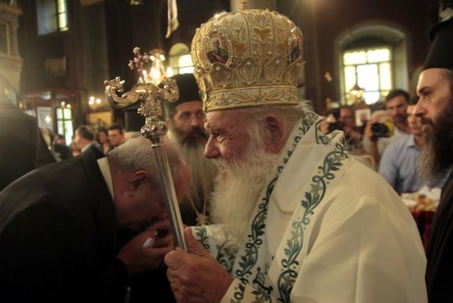 Εξευτέλισε τους κυβερνώντες ο Αρχιεπίσκοπος για τις σχέσεις Εκκλησίας-Πολιτείας