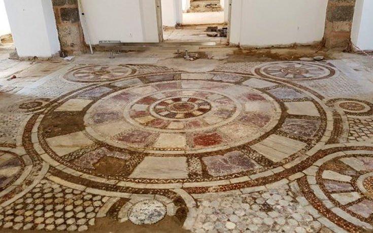 Βρήκαν εντυπωσιακό μωσαϊκό κάτω από εκκλησία στην Τραπεζούντα (εικόνες)