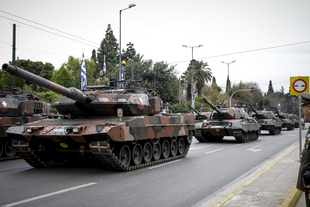 Στείλαμε ηχηρό μήνυμα στην Τουρκία – Δείτε ολόκληρη την παρέλαση – «Έκοψαν» την ανάσα για μια ακόμα χρονιά τα άρματα μάχης – Βίντεο