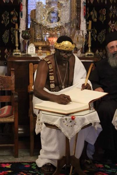 Αφρικανός βασιλιάς βαπτίστηκε Χριστιανός στο Άγιο Όρος