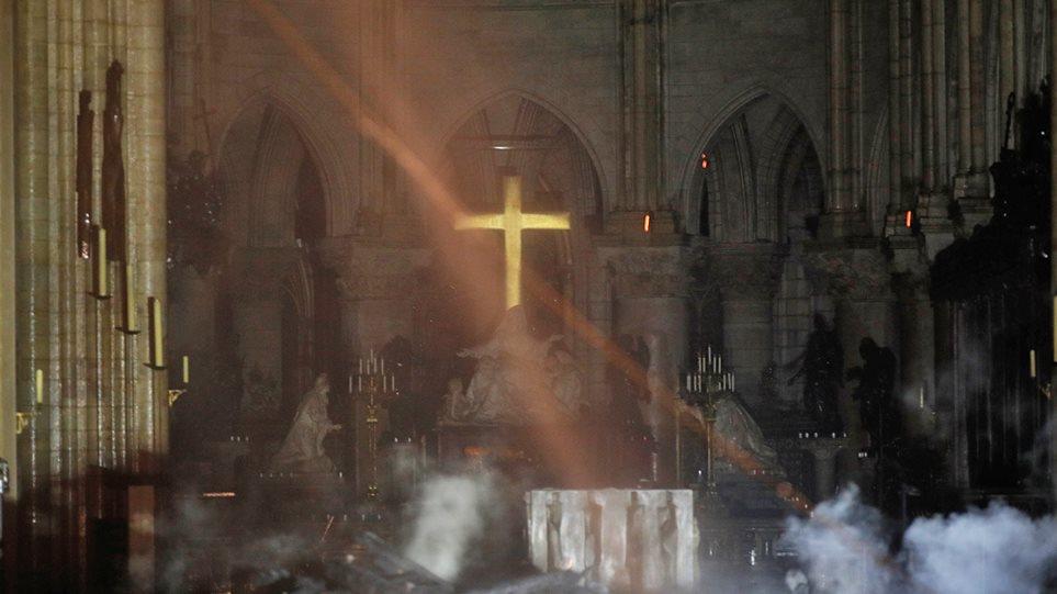 Kết quả hình ảnh cho Nhà thờ Đức Bà Paris