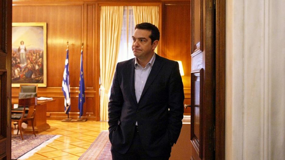Οι πολίτες «σκούπισαν» ό,τι θυμίζει ΣΥΡΙΖΑ – Κουμουνδούρου: «Φταίει η αποχή για την ήττα!» – 12 περιφέρειες στη ΝΔ