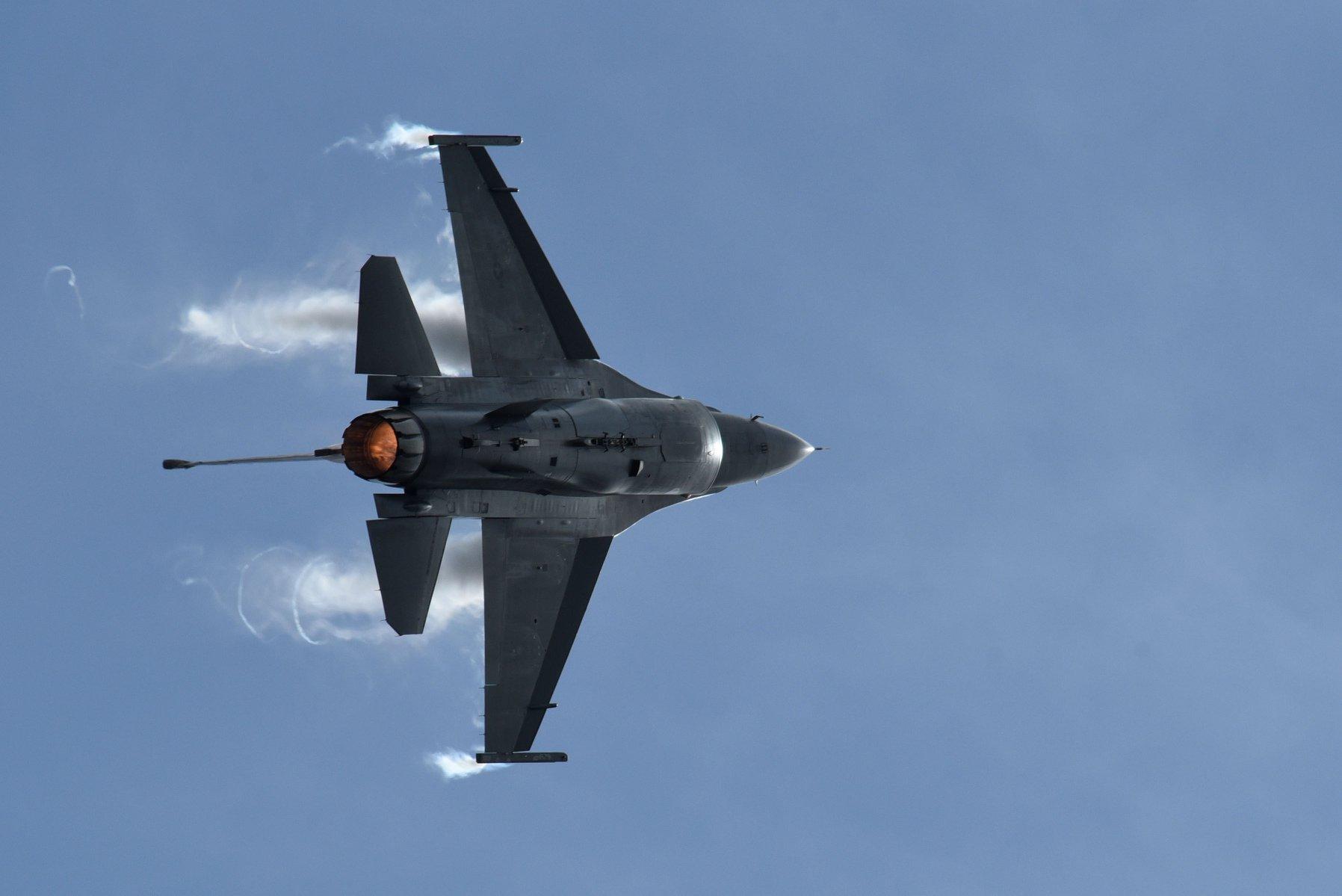 Με τα VIPER λένε «αντίο» τα τουρκικά F-16: Τον Δεκέμβριο μπαίνει στο εργοστάσιο το πρώτο ελληνικό μαχητικό – Θα είναι εξοπλισμένο με «θανατηφόρο» πύραυλο