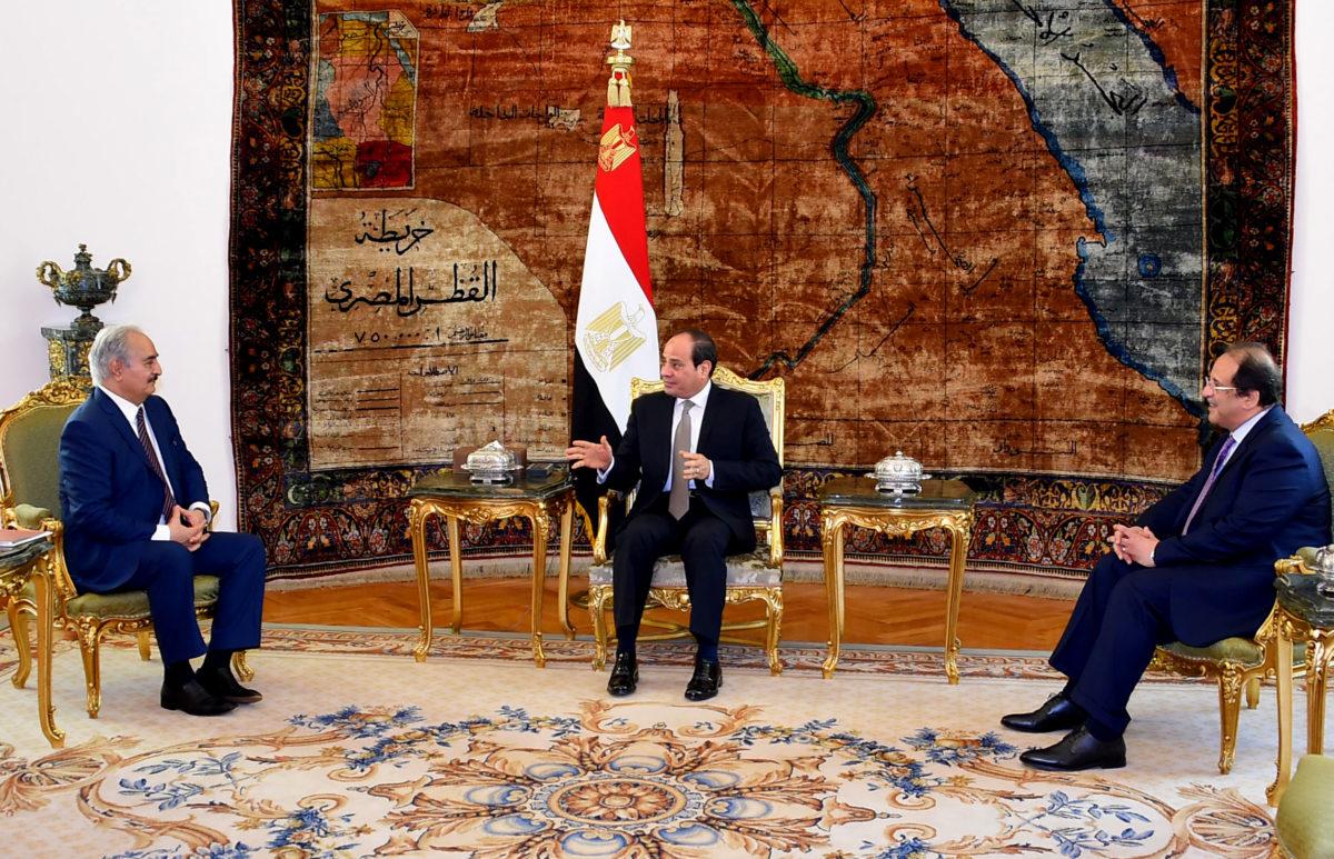 «Πόρτα» της Αλγερίας στον Ερντογάν: «Δεν στηρίζουμε τις τουρκικές ενέργειες στη Λιβύη» – Αιφνιδιαστική επίσκεψη Χαφτάρ στο Κάιρο