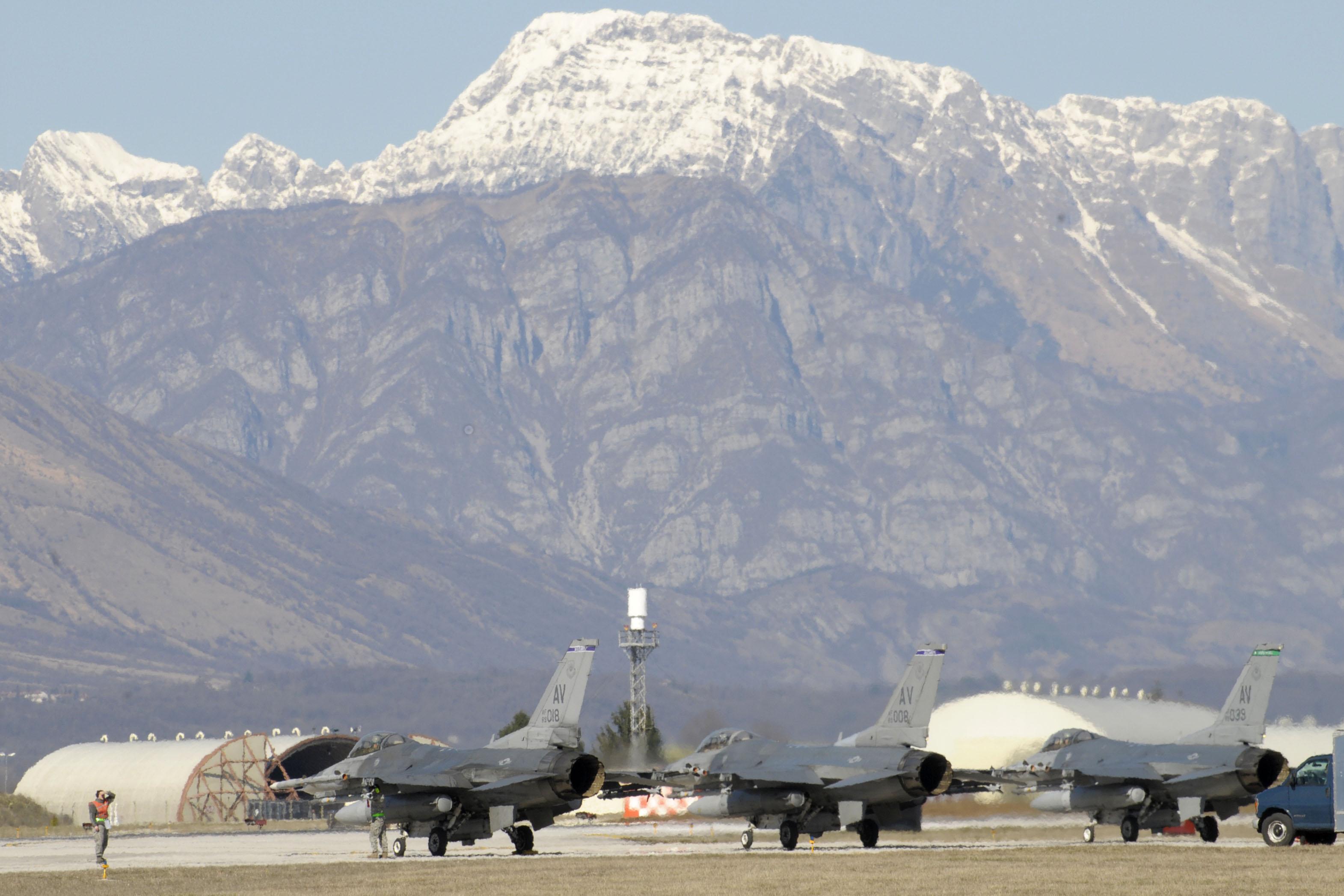 Αδειάζουν το Ιντσιρλίκ οι Αμερικανοί; – Ιταλικό ΜΜΕ: «Οι ΗΠΑ θα μεταφέρουν 50 πυρηνικές βόμβες στη βάση Aviano από την Τουρκία»