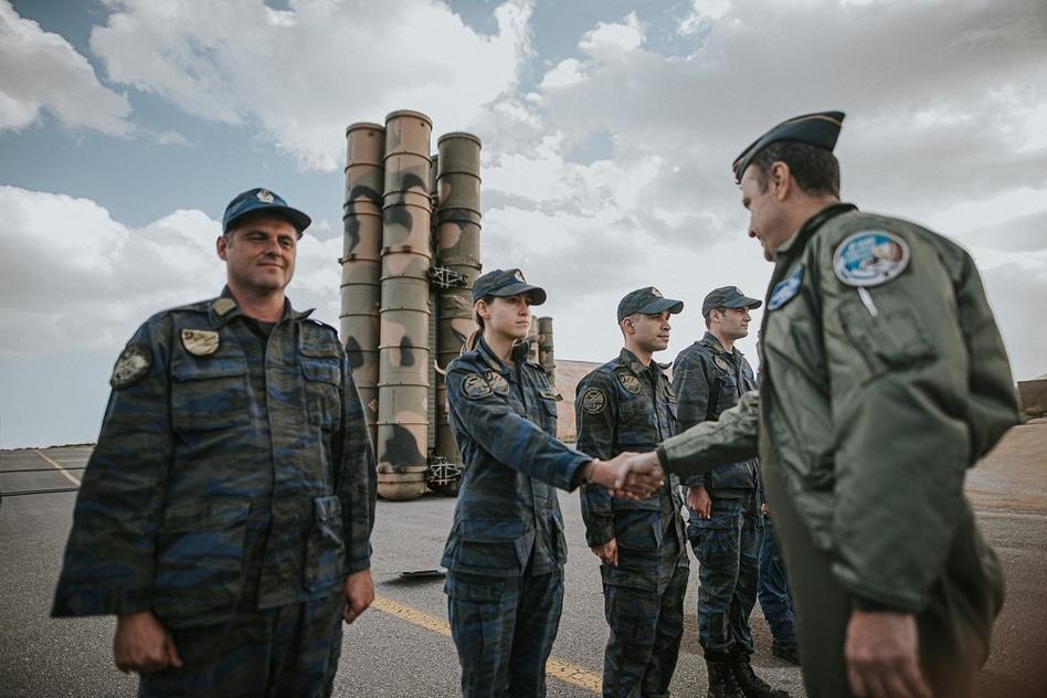 Μήνυμα ισχύος προς την Τουρκία: Στoυς S-300 & τα TOR-M1 ο Πτέραρχος Μπουρολιάς – Η φωτογραφία που προβληματίζει την Άγκυρα